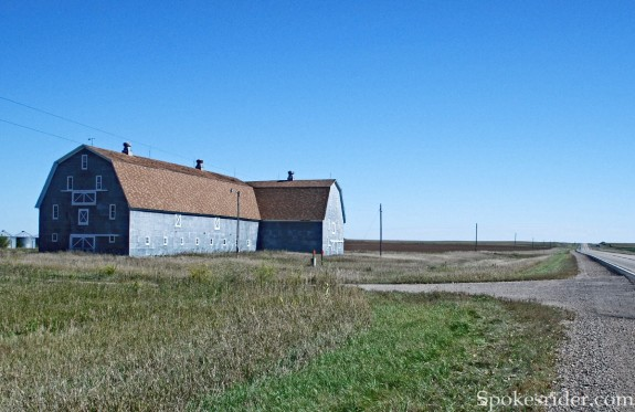 Barn just east of the Sheyenne River valley