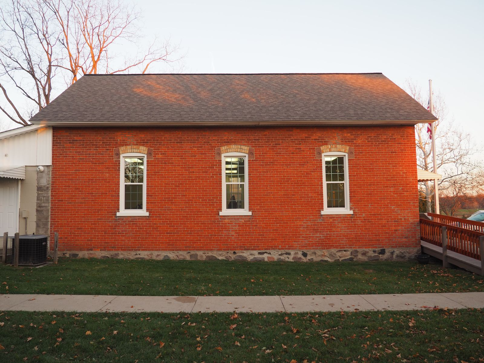 West-facing side of Bunker Hill Township Hall (12 November 2016)